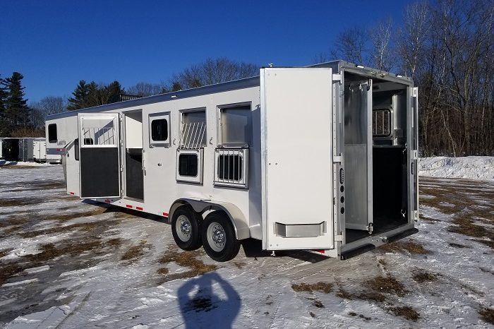 2020 Lakota Colt 4 Horse Living Quarters full