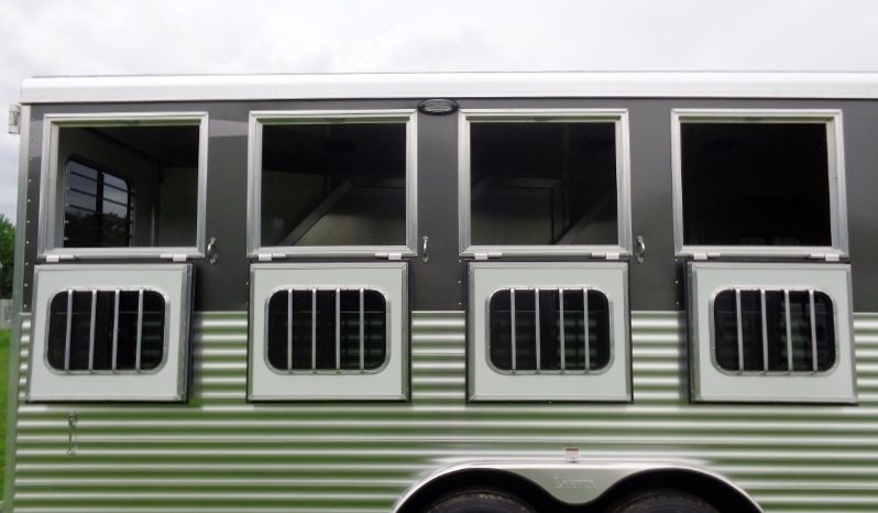 2019 Lakota Charger 4 Horse Living Quarters full