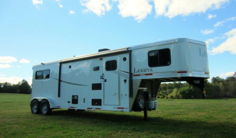 2020 Lakota Colt 2 Horse Living Quarters full