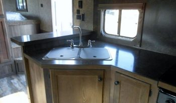 2018 Lakota Charger 4 Horse Living Quarters full