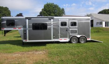 2018 Lakota Charger 2 Horse Living Quarters full